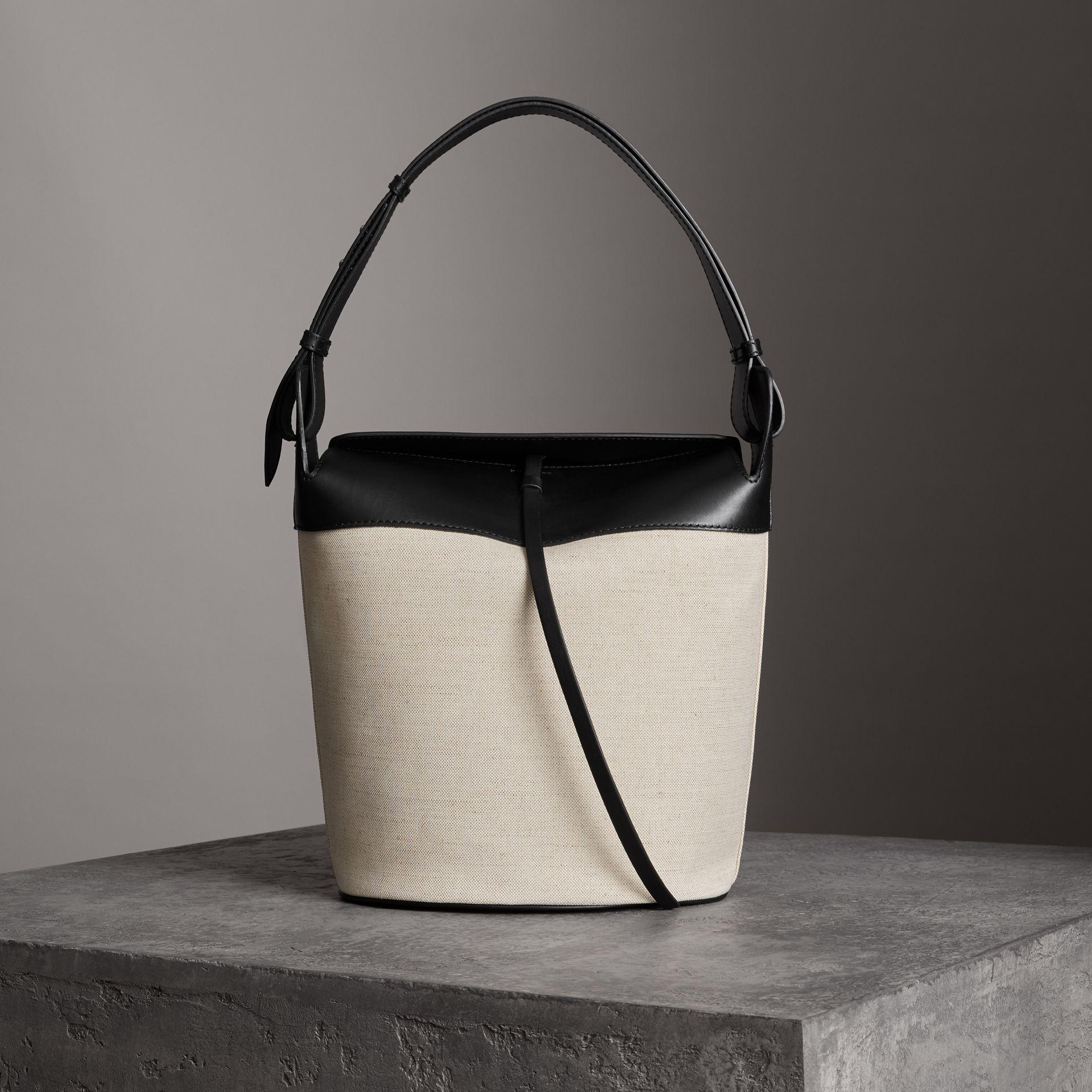 f95d7ad013b Burberry The Large Cotton Linen And Leather Bucket Bag in Black - Lyst