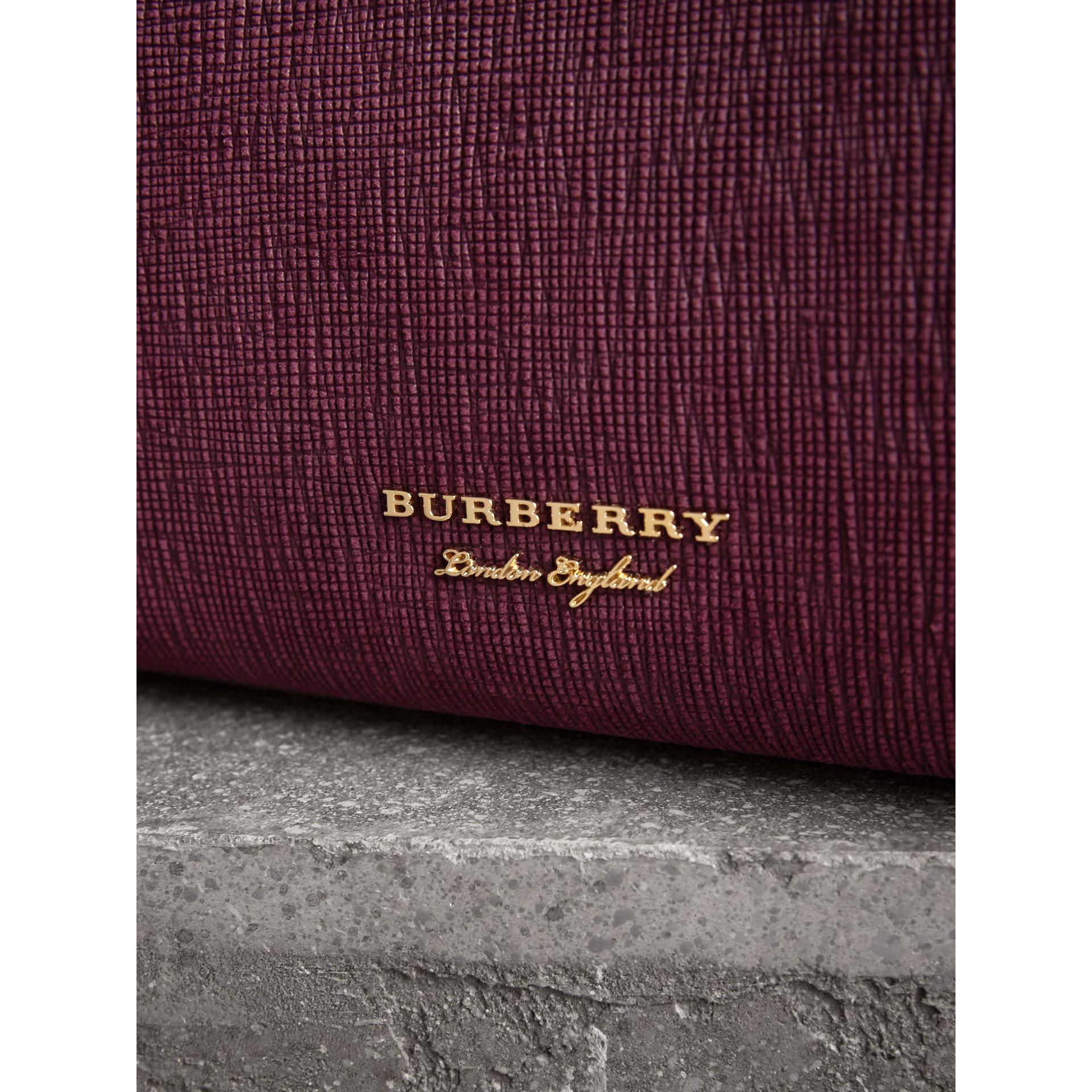 256aea135b8e Lyst - Burberry The Medium Banner In Leather