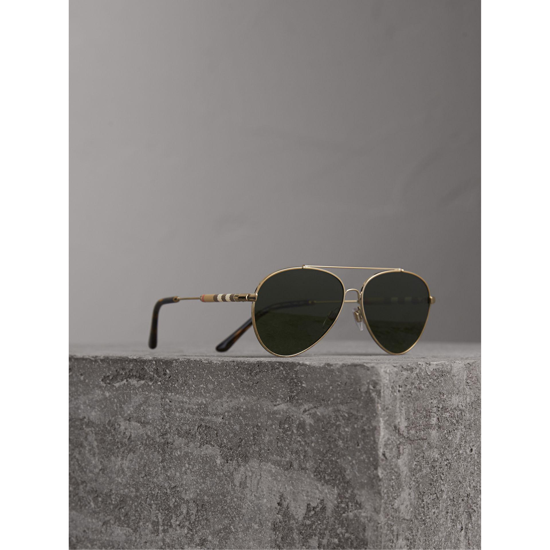 0915b6c8051 Lyst - Burberry Check Detail Pilot Sunglasses