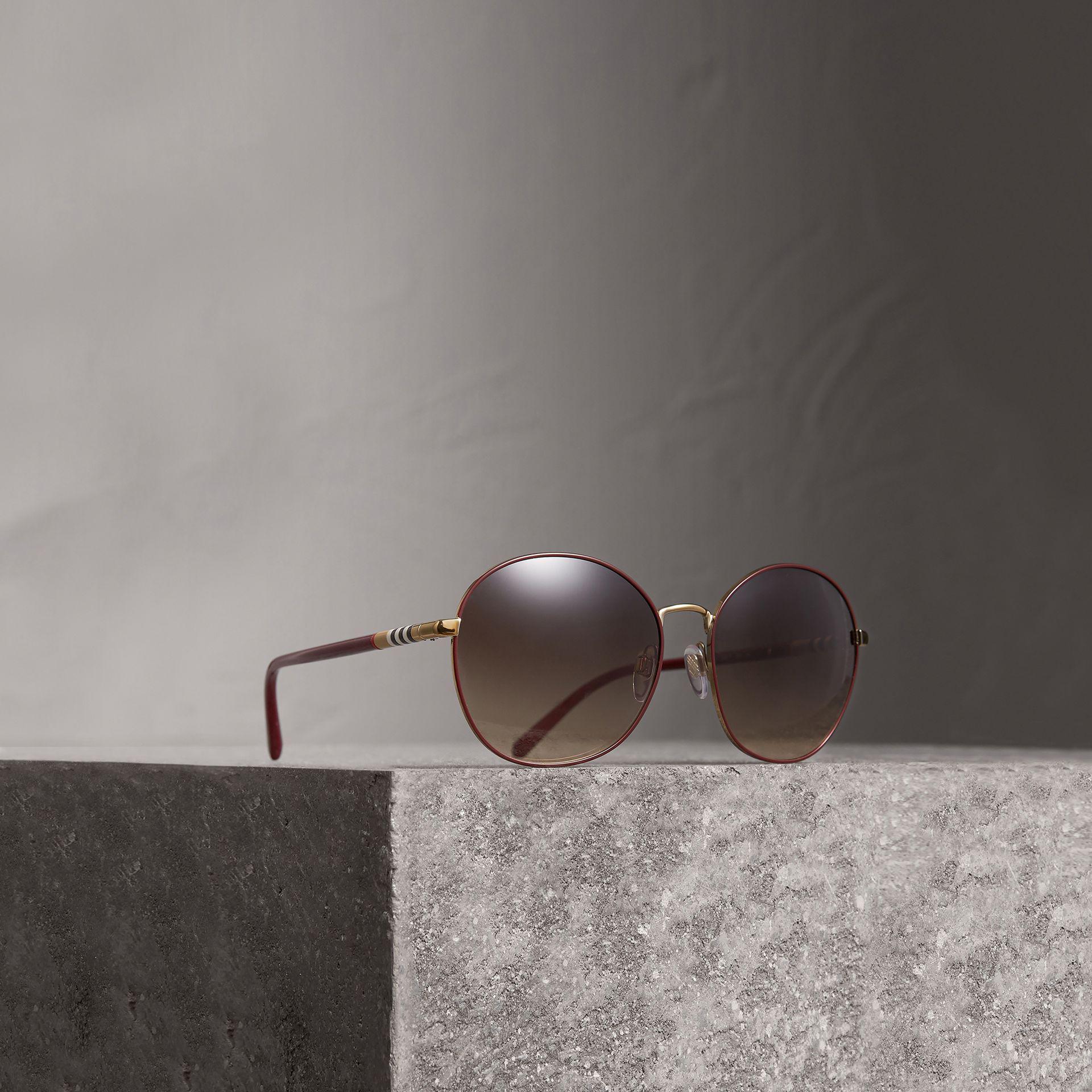 a87ed254eab Burberry Check Detail Round Frame Sunglasses - Lyst