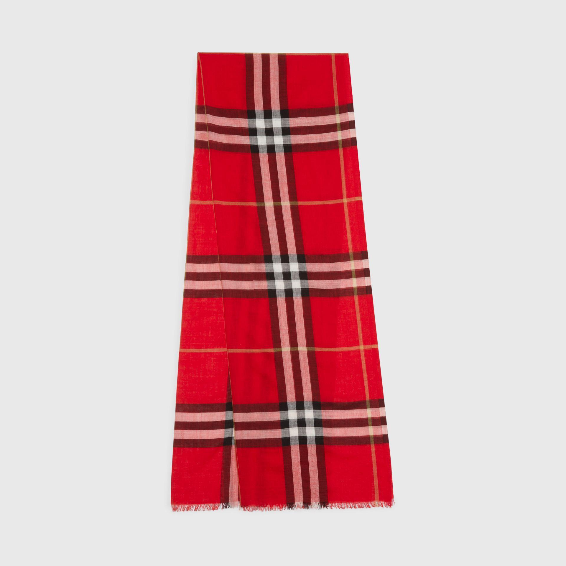 Lyst - Écharpe légère en laine et soie à motif check Burberry en ... 5e00a0e3934