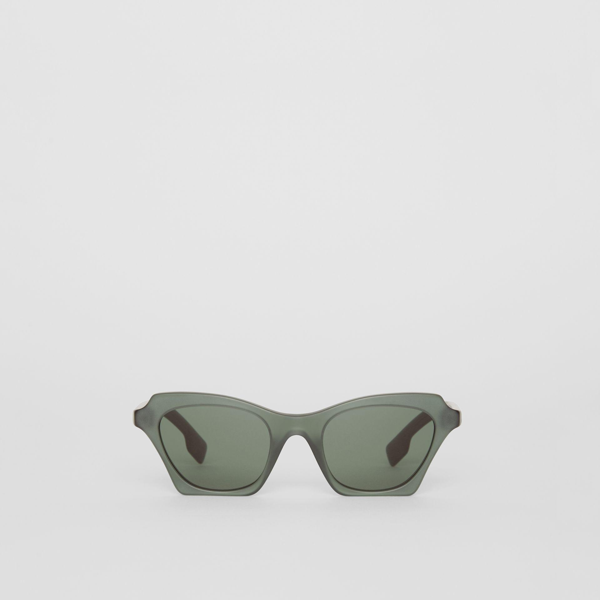 6a5624645b91 Lyst - Burberry Butterfly Frame Sunglasses in Green