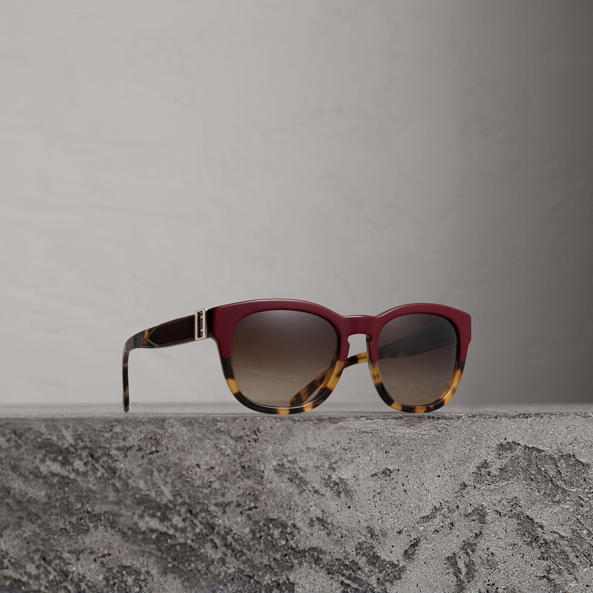 bd7fc08e013 Burberry Buckle Detail Square Frame Sunglasses - Lyst