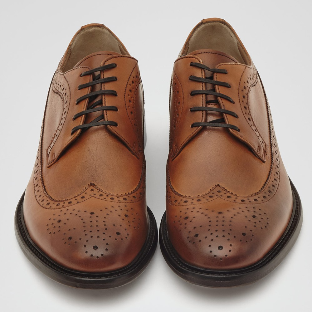 bf5dc7b90179 Reiss Ash Leather Brogues in Brown for Men - Lyst