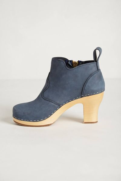 Swedish Hasbeens Shipwright Clog Booties in Blue (DARK BLUE)