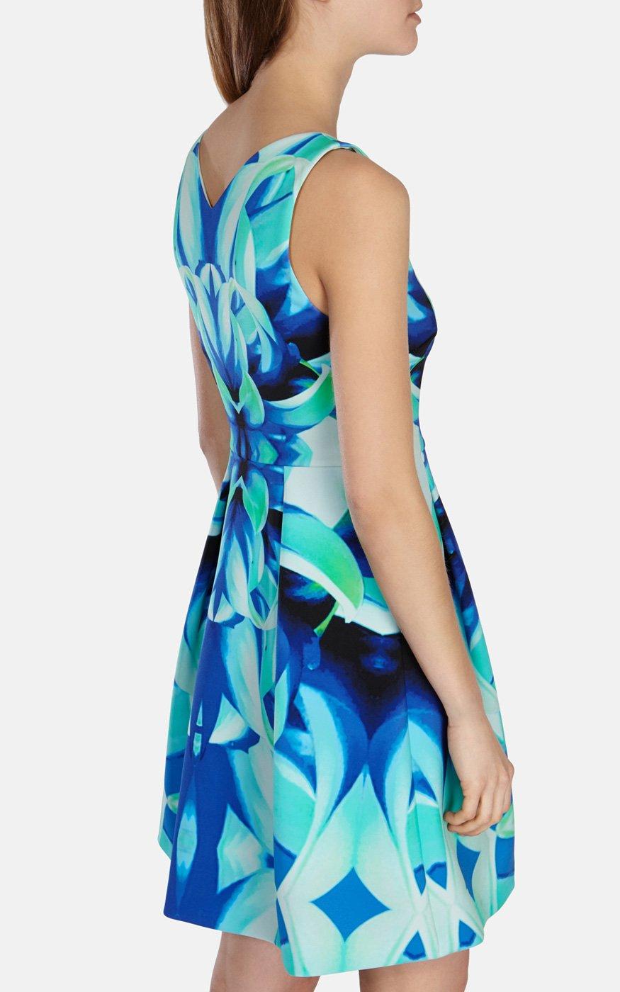 Lyst - Karen Millen Bold Floral Print Sculpted Jersey Dress in Blue