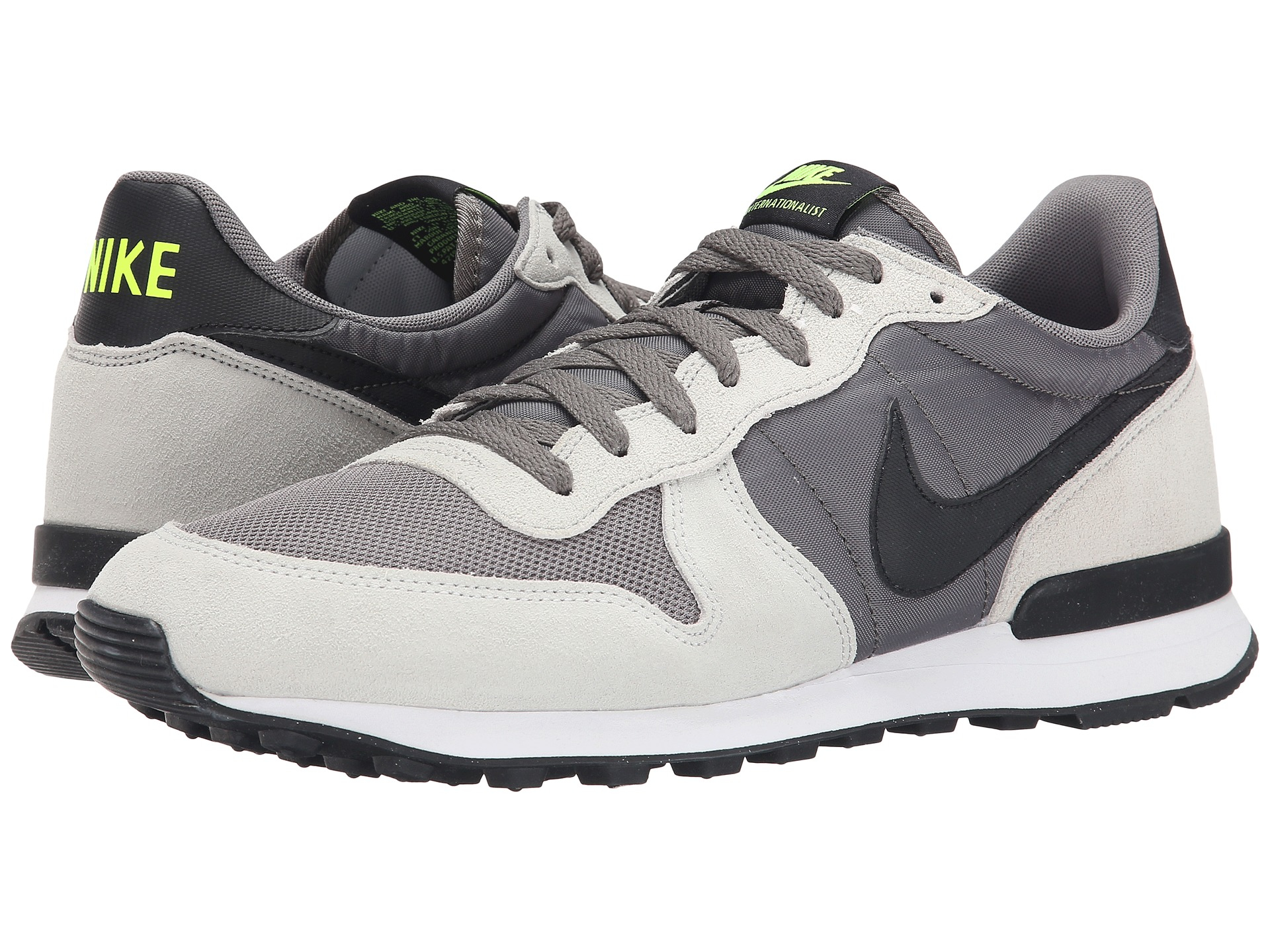 hot sale online 41a6e 24120 Gallery. Previously sold at Zappos · Mens Nike Internationalist ...