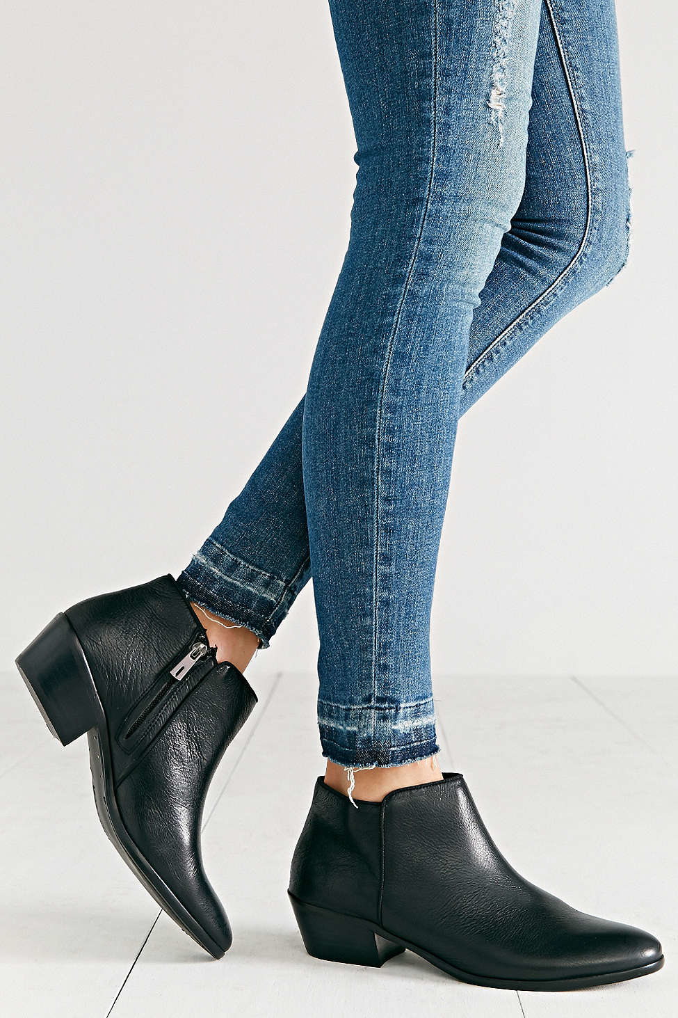 sam edelman petty leather ankle boot in black lyst
