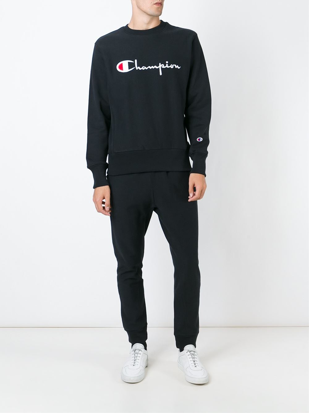 Champion Logo Sweatshirt in Black for Men | Lyst