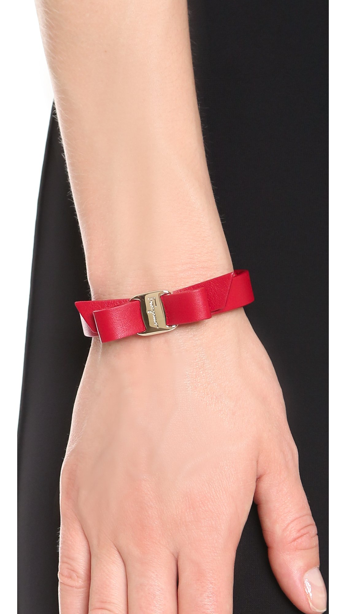 Ferragamo Vara Bow Single Wrap Bracelet in Red - Lyst