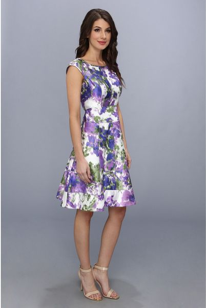 Maggy London Floral Printed Taffeta Cap Sleeve Fit And