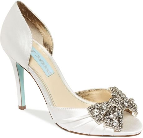 betsey johnson blue by gown evening pumps in white ivory