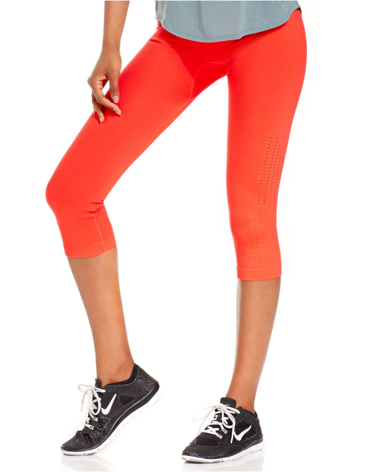 Nike Pro Limitless Dri-Fit Capri Leggings in Orange | Lyst