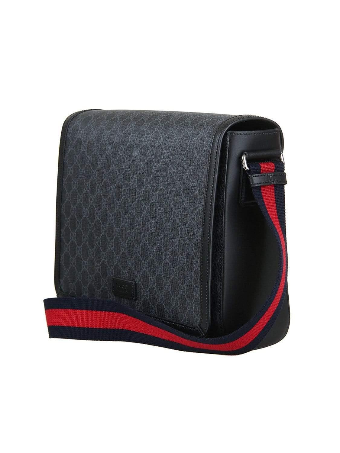 d446bc059f4 Gucci GG Supreme Flap Messenger in Black for Men - Save 48% - Lyst