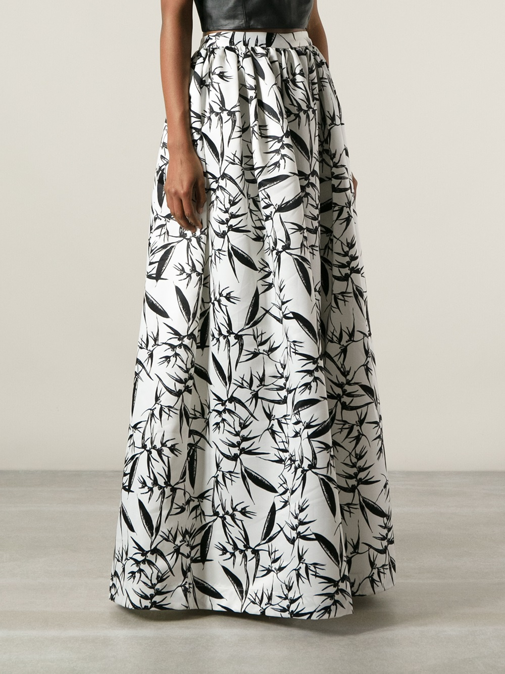 Alice   olivia Printed Maxi Skirt in Black | Lyst