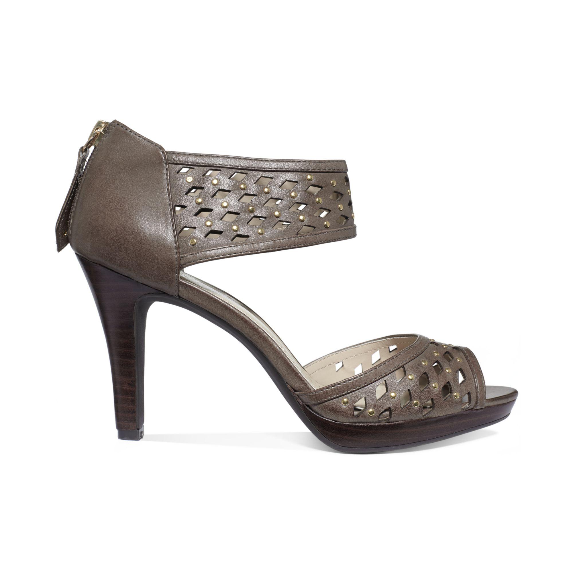 Adrienne Vittadini Shoes Womens