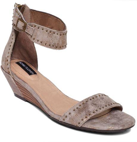 Me Too Adam Tucker Lexa Wedge Sandals In Brown Gold