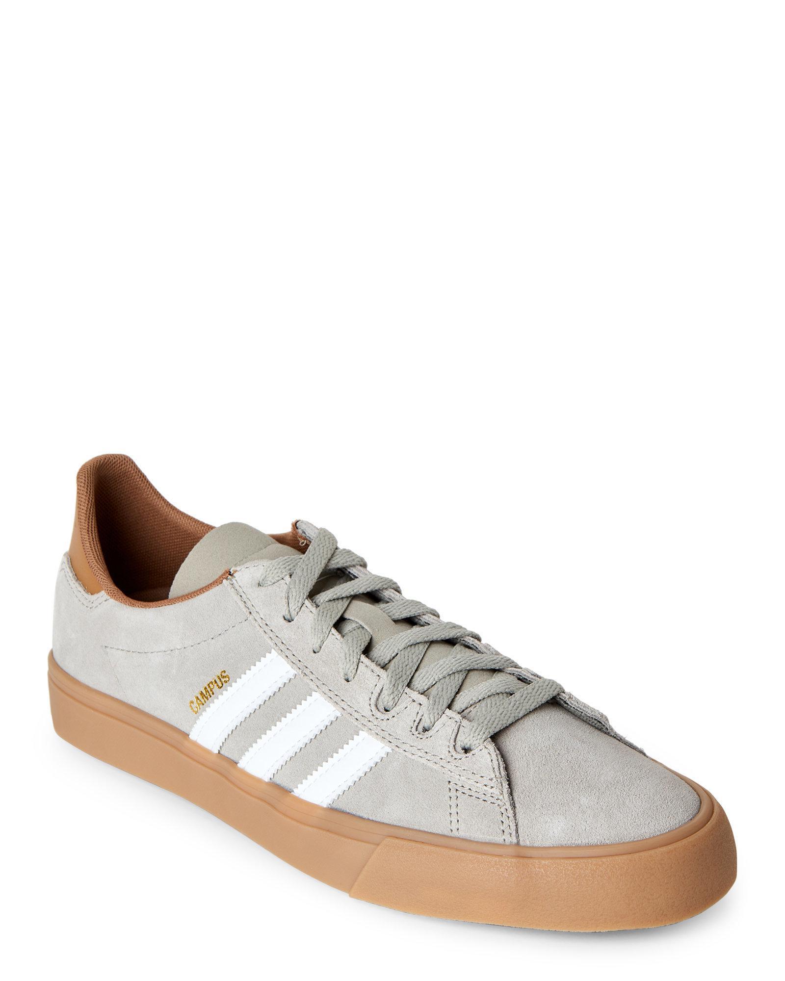 lyst adidas grey & white campus, te ii scarpe in grigio per gli uomini.