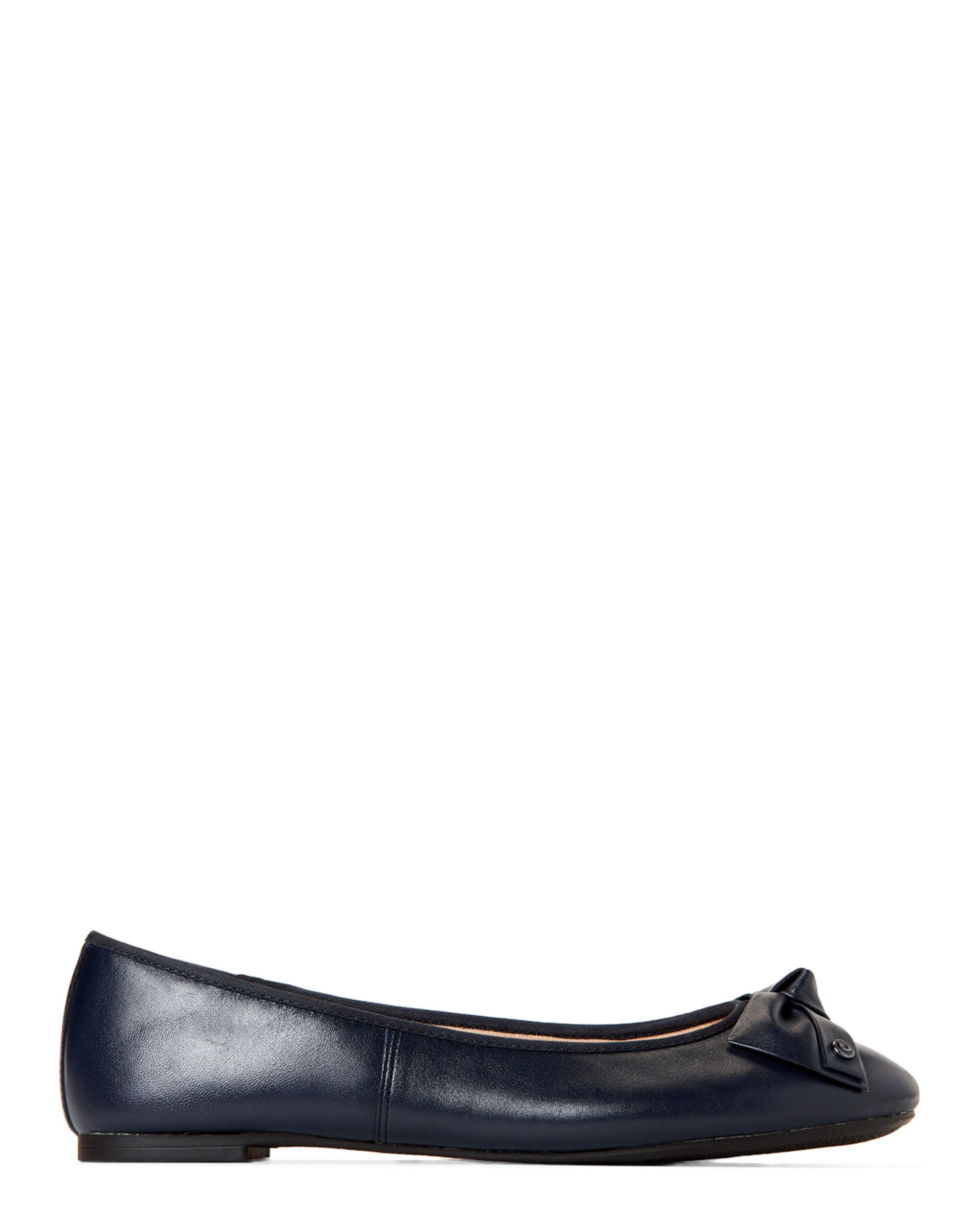 4b94ac1e4 Circus by Sam Edelman Navy Connie Bow Leather Flats in Blue - Lyst