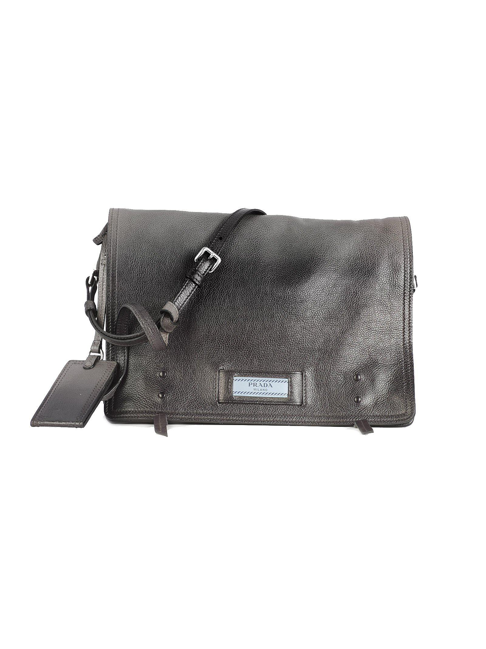 Prada Logo Messenger Bag in Black - Lyst bdb3b9a6a4f4f