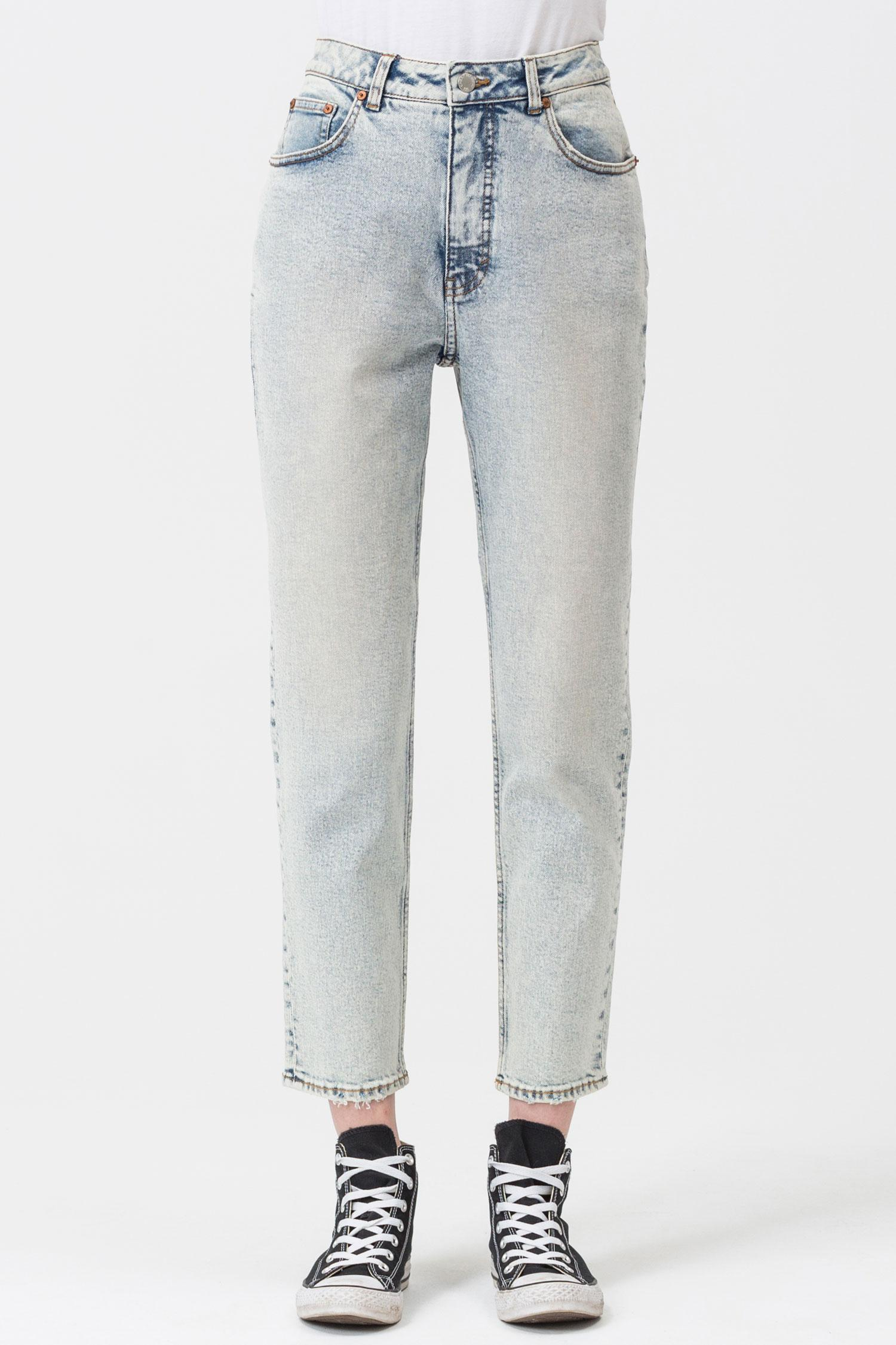 4b9cc62614 Cheap Monday Donna Lit Blue Mom Jeans in Blue - Lyst