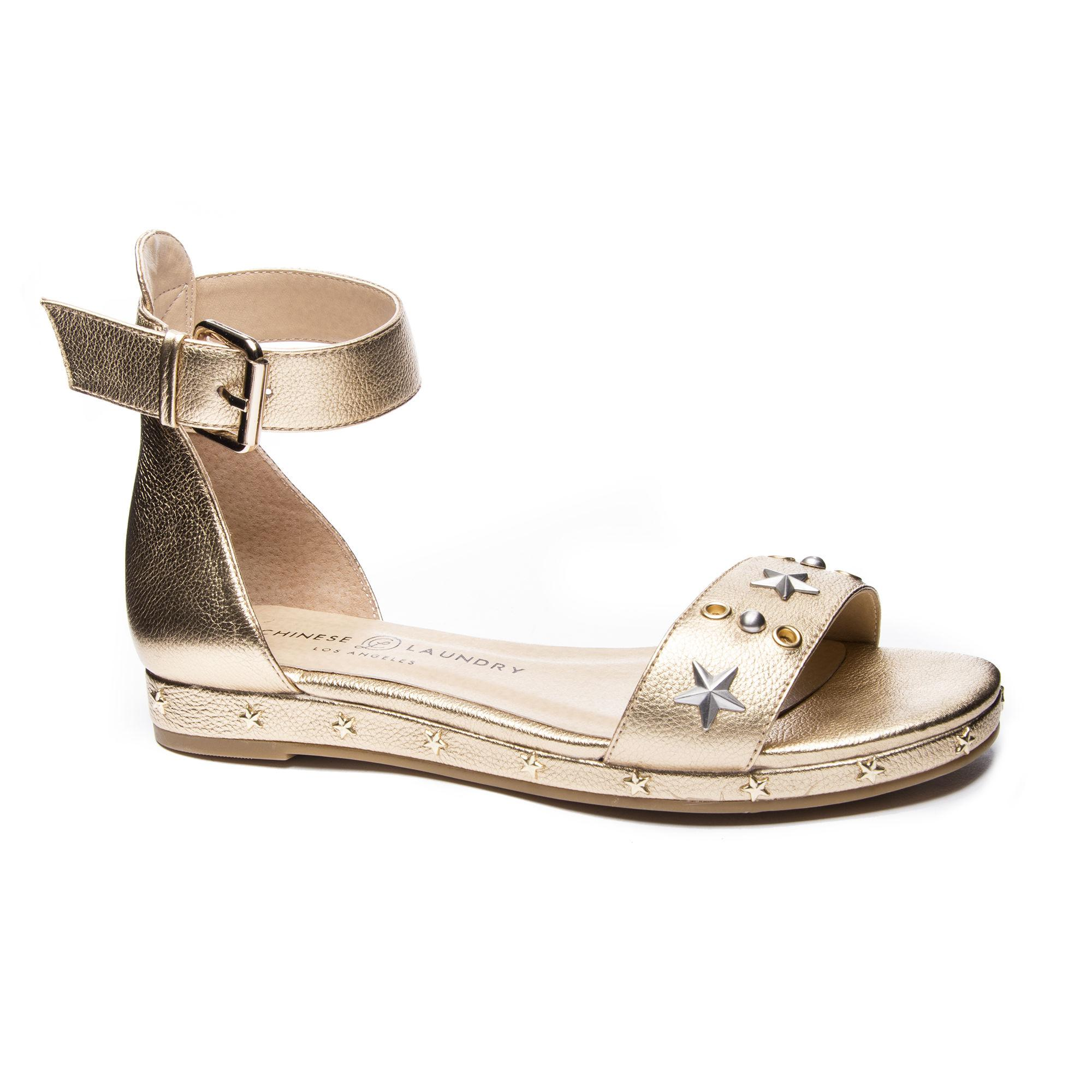 e150cc6cdff Lyst - Chinese Laundry Grady Metallic Flat Sandal in Metallic