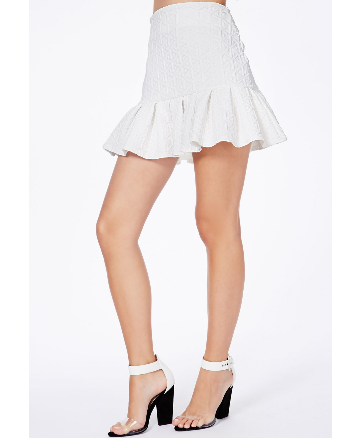 missguided mattie white textured pleated mini skirt in
