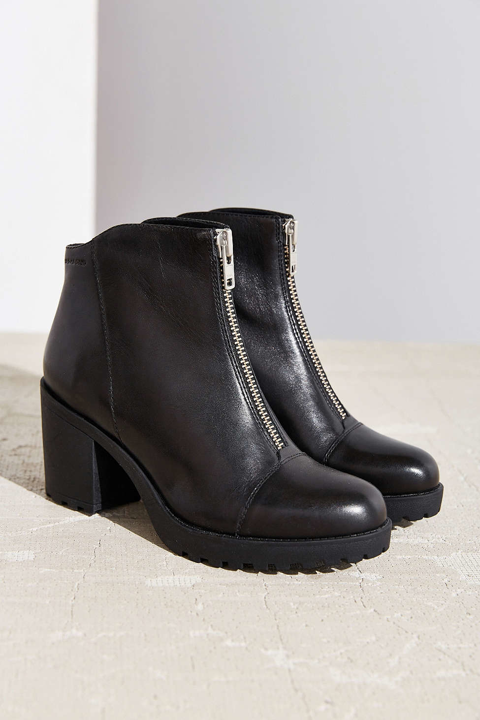 vagabond front zip grace ankle boot in black lyst
