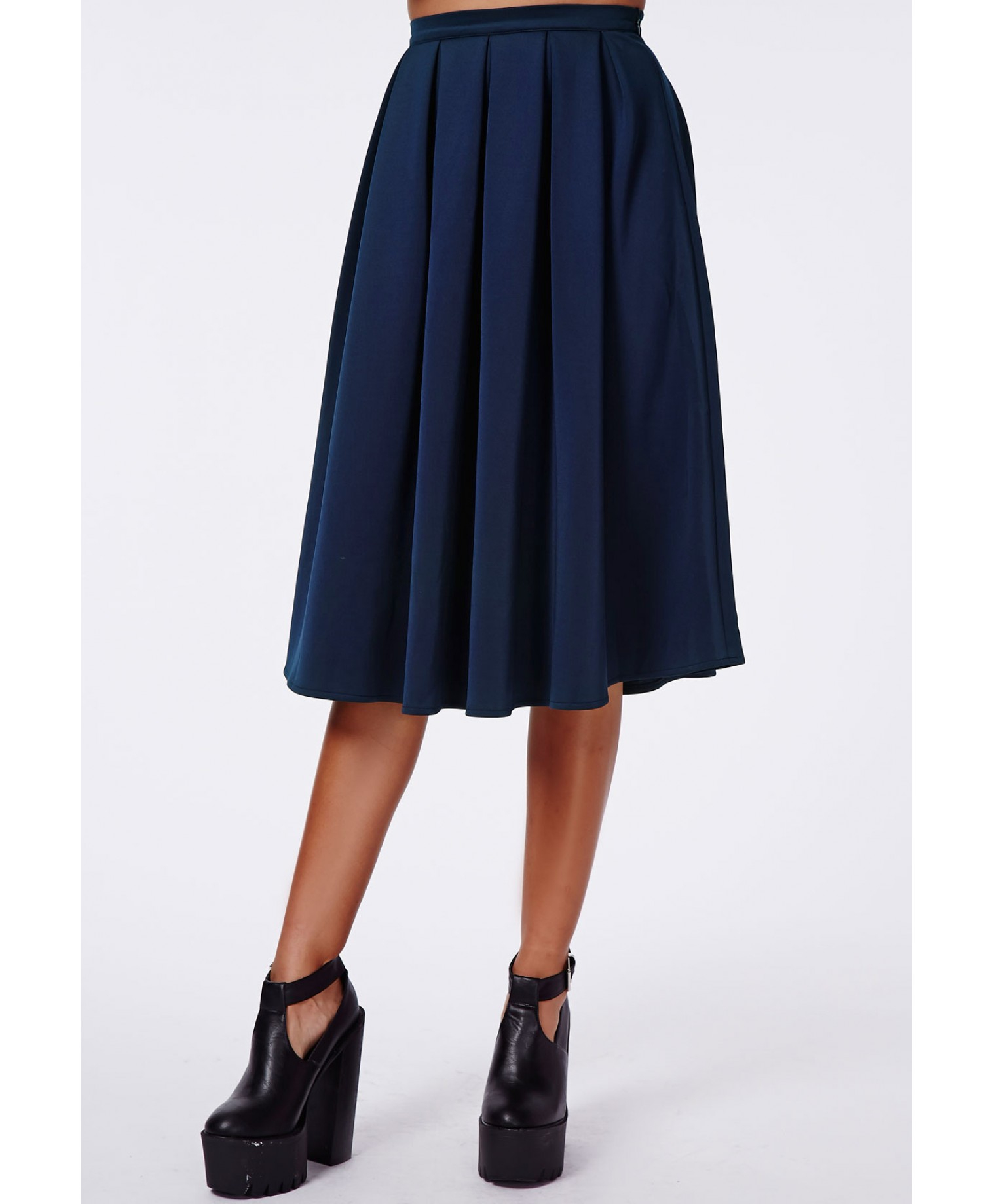 missguided auberta pleated midi skirt navy in blue navy