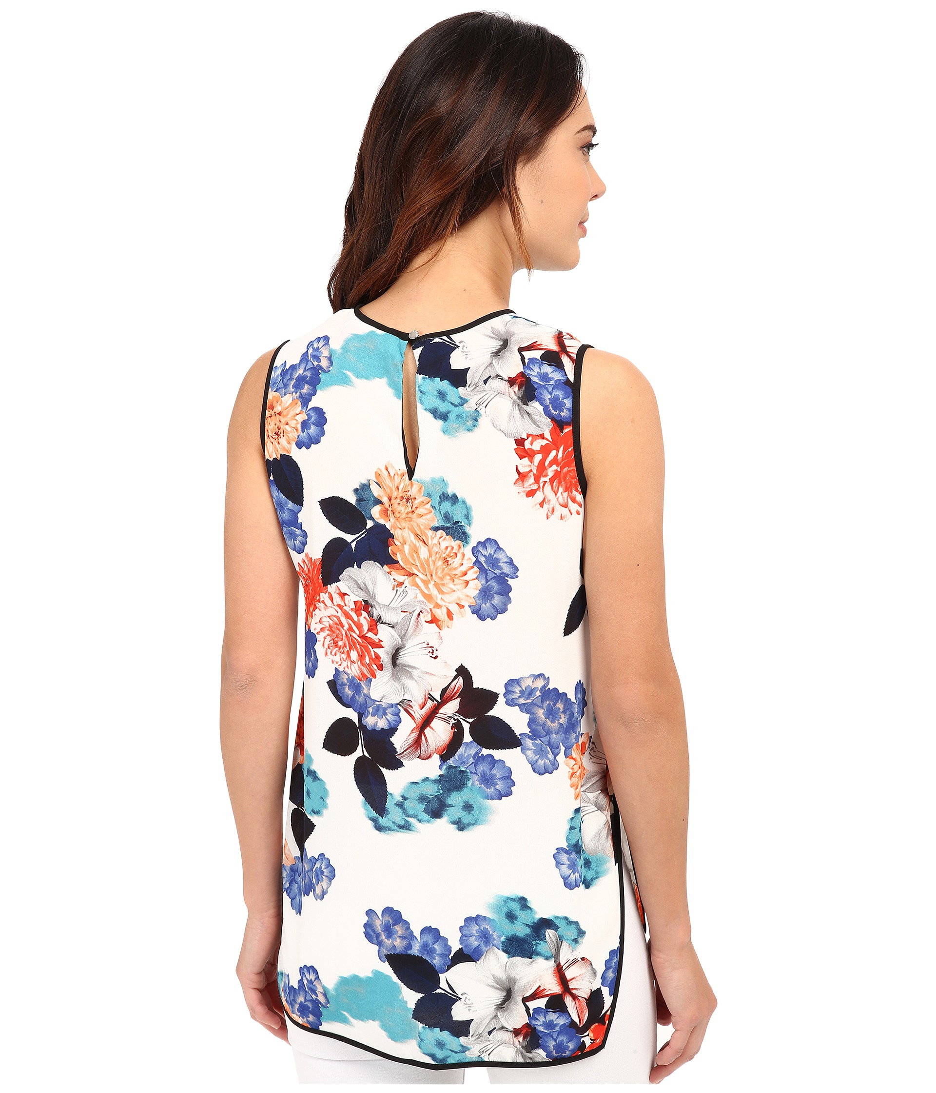 def409a5c166c0 Lyst - Vince Camuto Sleeveless Floral Garden Blouse