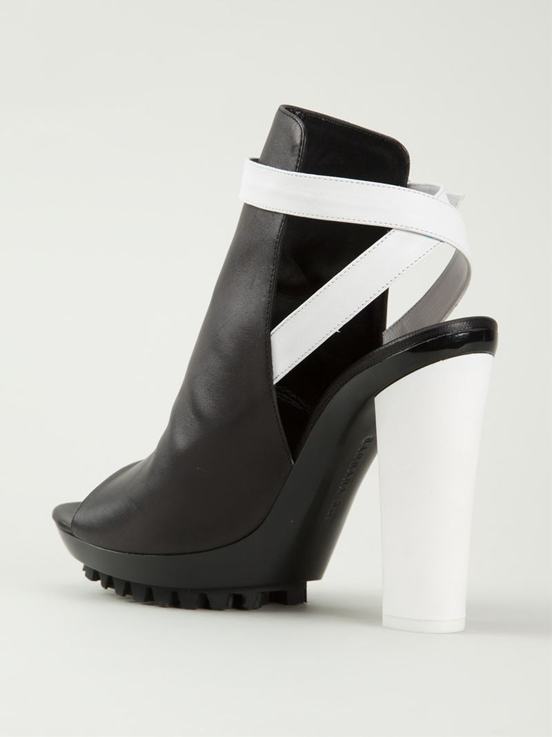 Barbara bui Strappy Chunky Heel Sandals in Black | Lyst