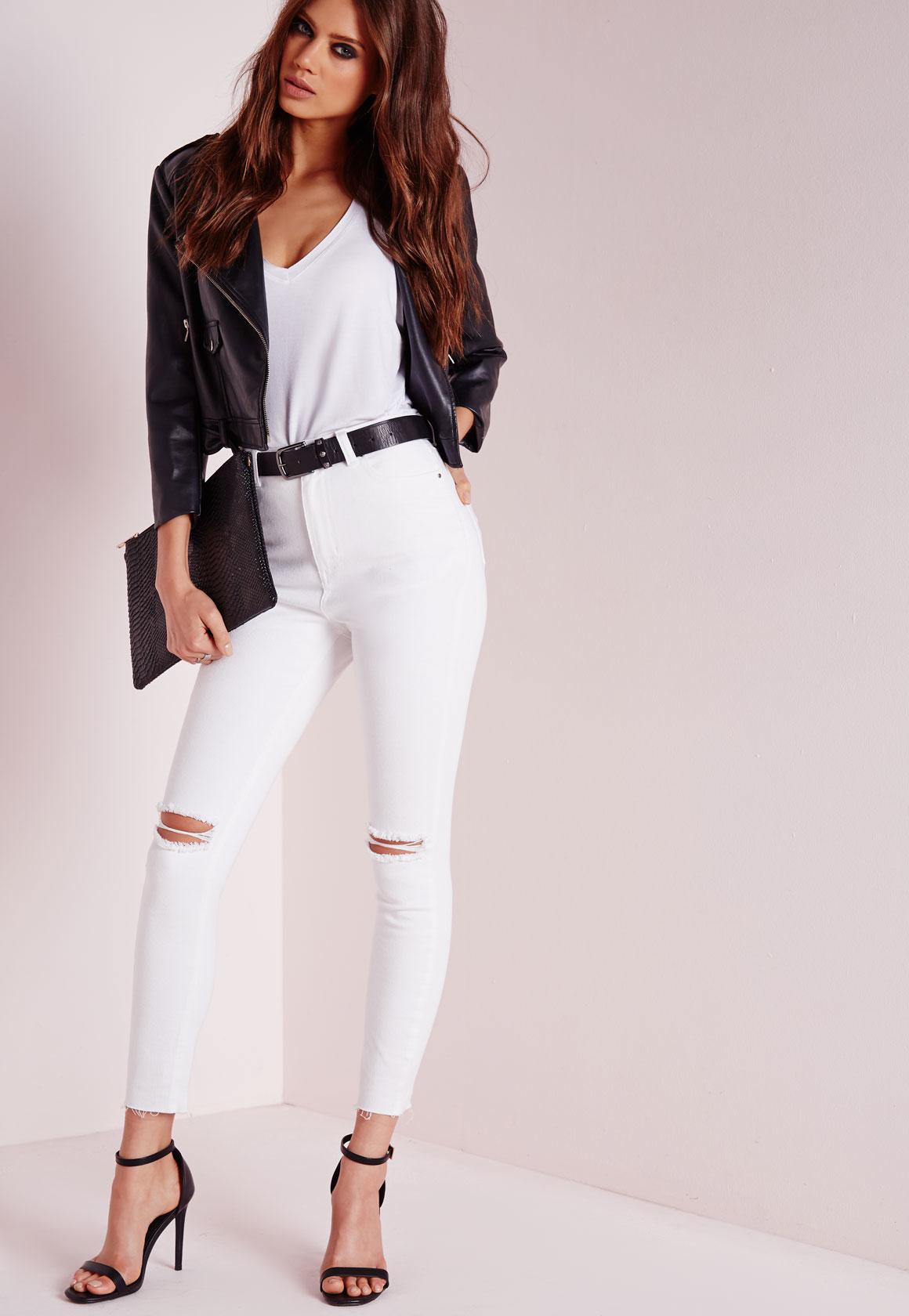 00ba9c9fde5 Lyst - Missguided Edie Ripped Knee Raw Hem Ankle Grazer Skinny Jeans ...