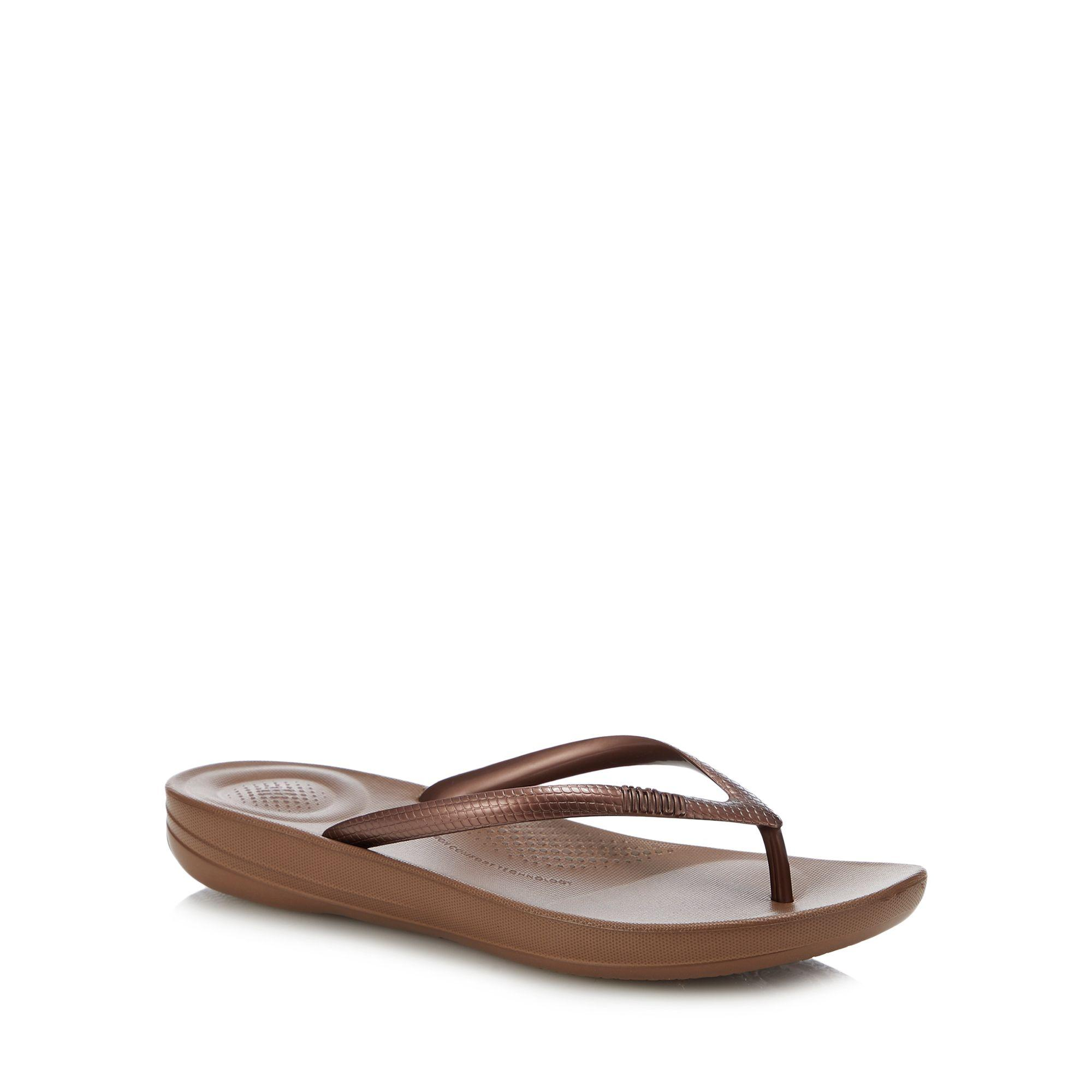 5f8f2dc7c886f Fitflop Bronze  iqushion  Flip Flops in Brown - Save 32% - Lyst
