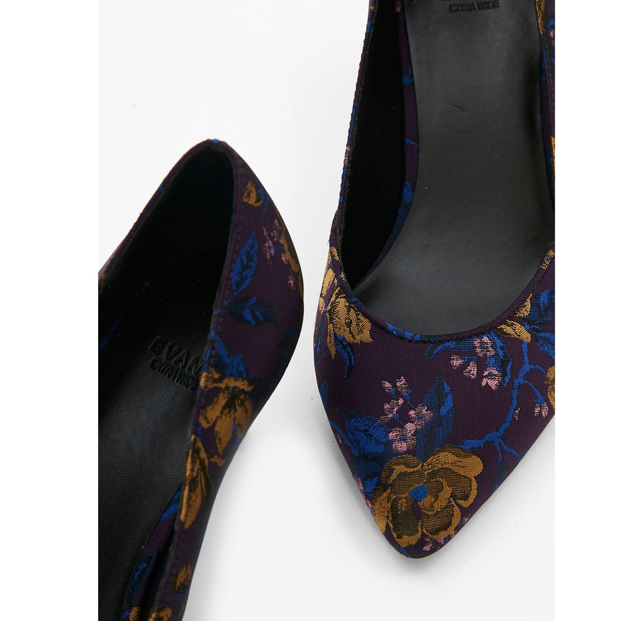 ca632656c29 Evans Extra Wide Fit Purple Jacquard Kitten Heel Court Shoes in ...