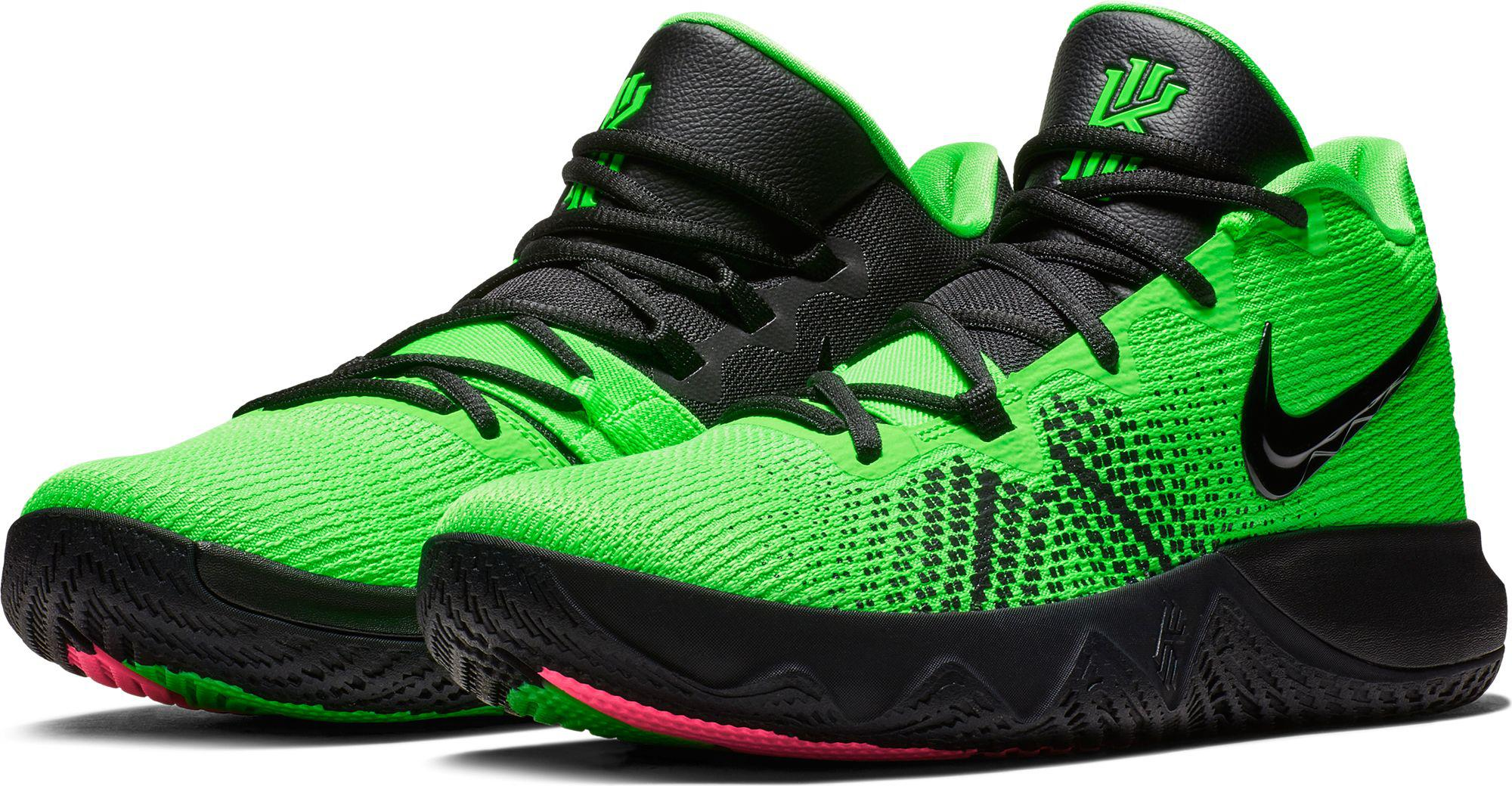 16adf570e70 Nike Kyrie Flytrap Basketball Shoes in Green for Men - Lyst