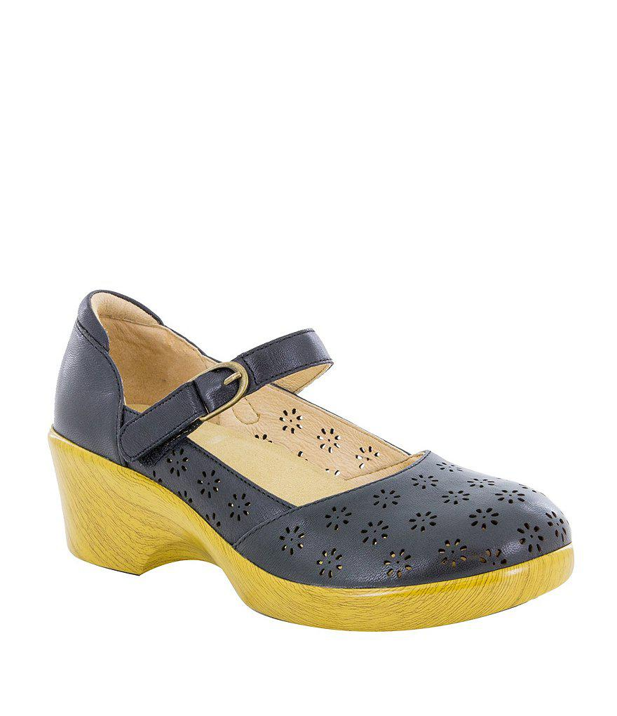 Rene Wedge Mary Janes 4MDqkVL