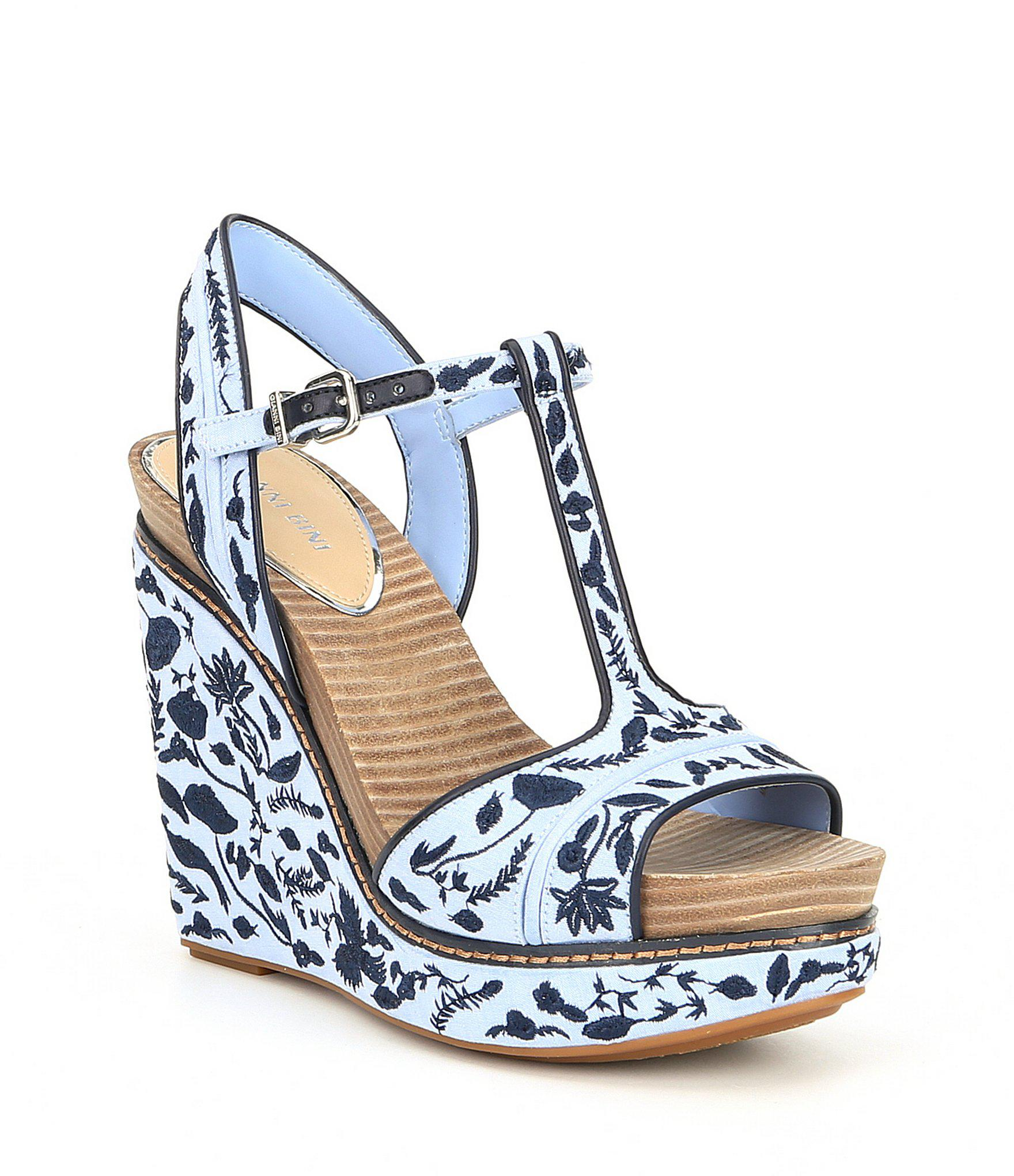 afca803d5ff1 Lyst - Gianni Bini Sarritahh Floral Embroidered Wedges in Blue