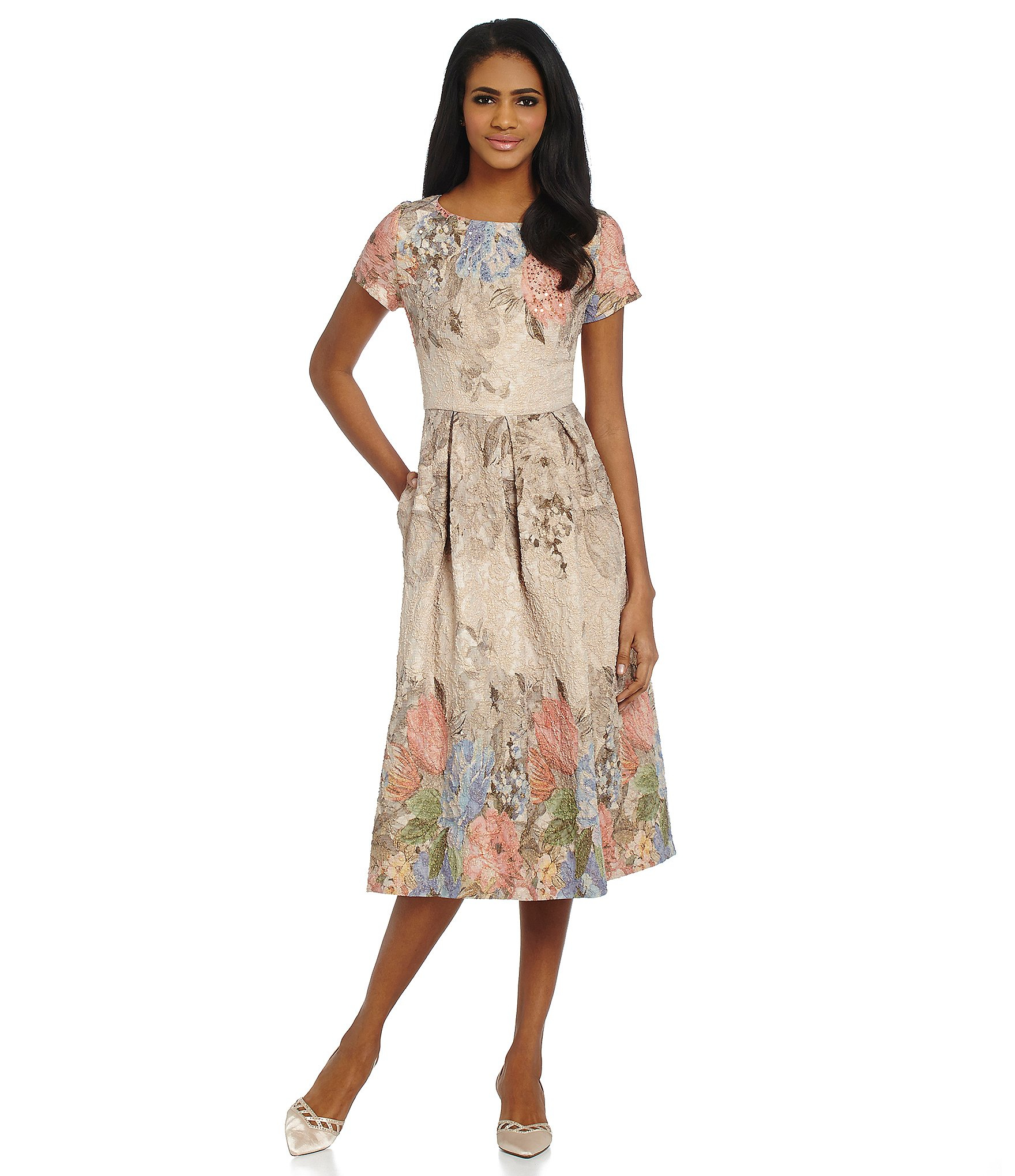 7f2385bddd6 Floral Beaded Dress With Short Sleeves