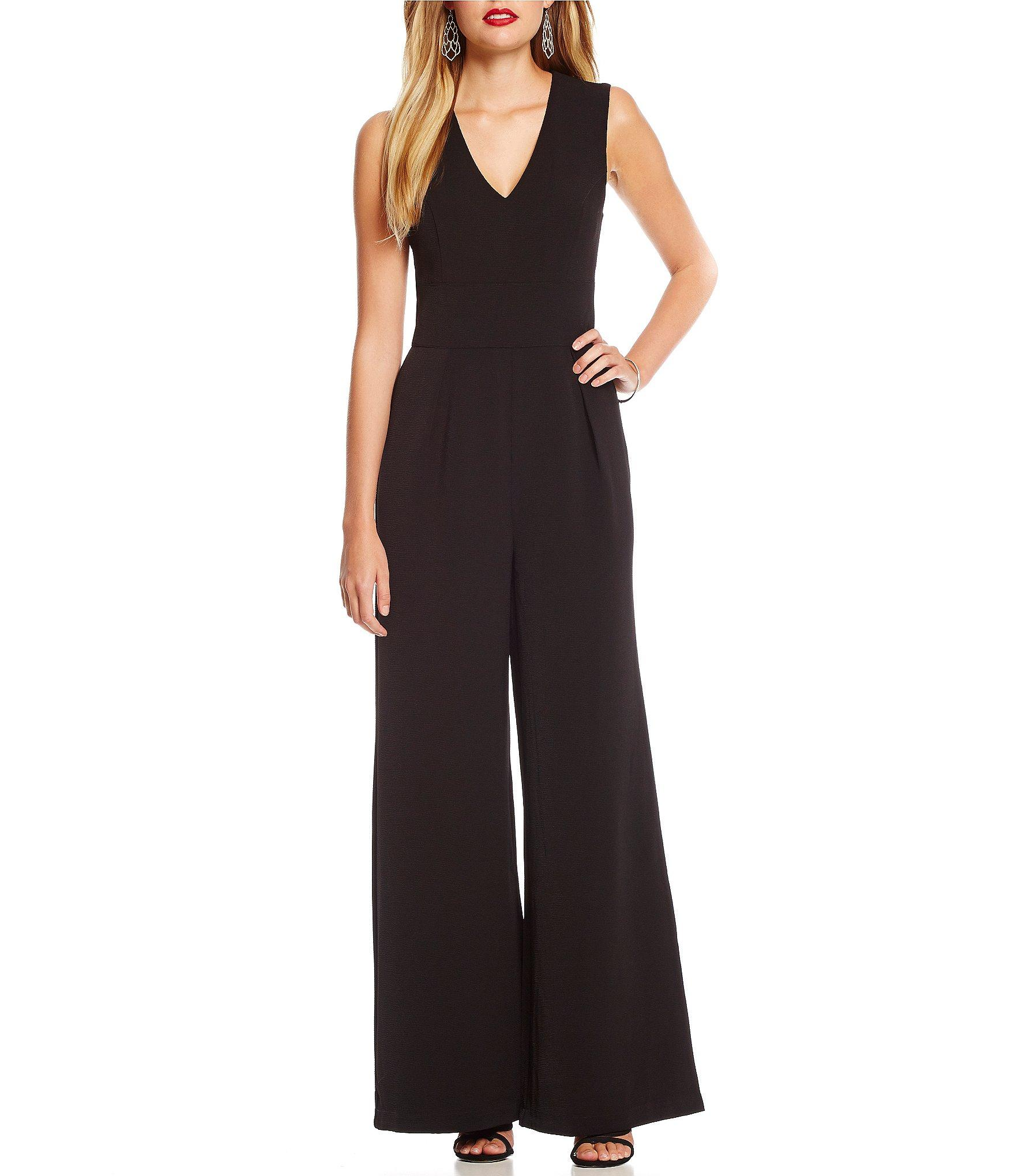 71a0c3974b39 Lyst - Sugarlips Sleeveless V-neck Flare-leg Jumpsuit in Black
