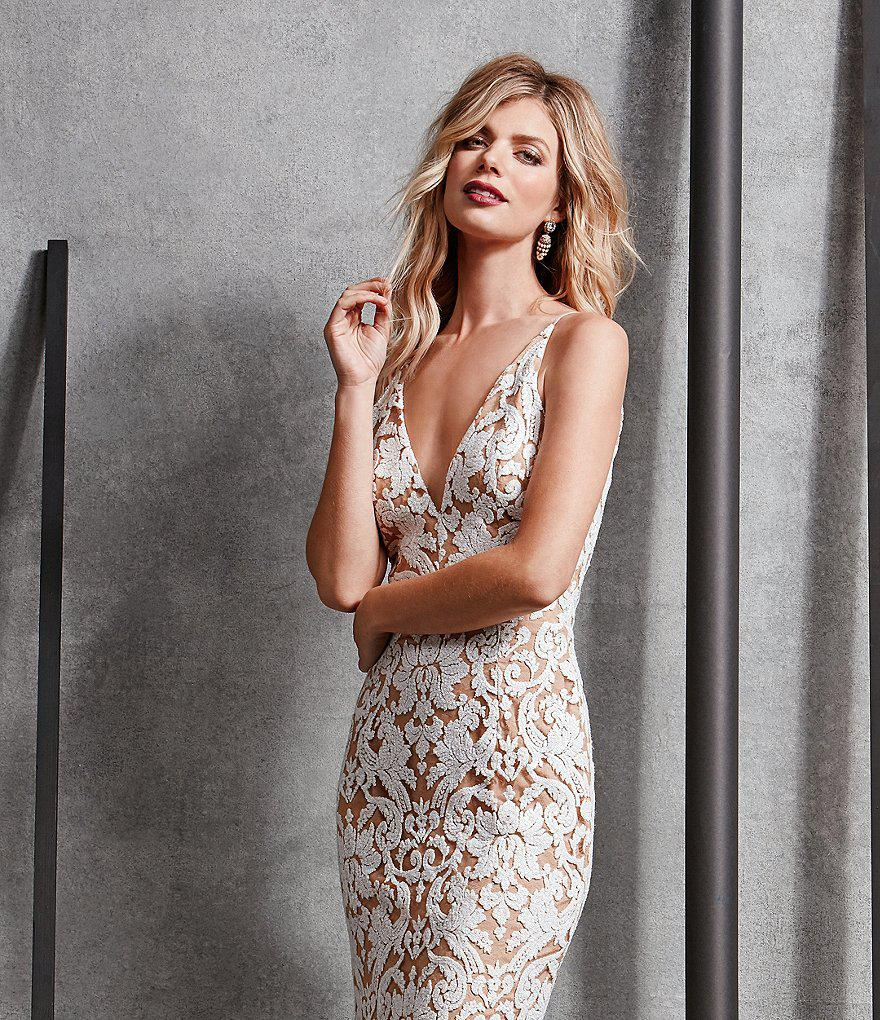 Lyst Dress The Population Karen Deep V Neck Sequin Lace Mermaid Gown