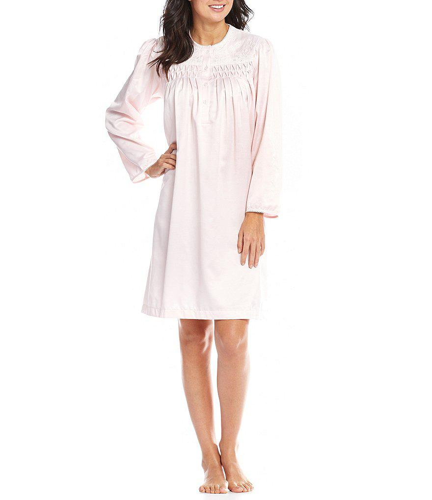 Lyst - Miss Elaine Smocked Brushed-back Satin Short Gown in Pink