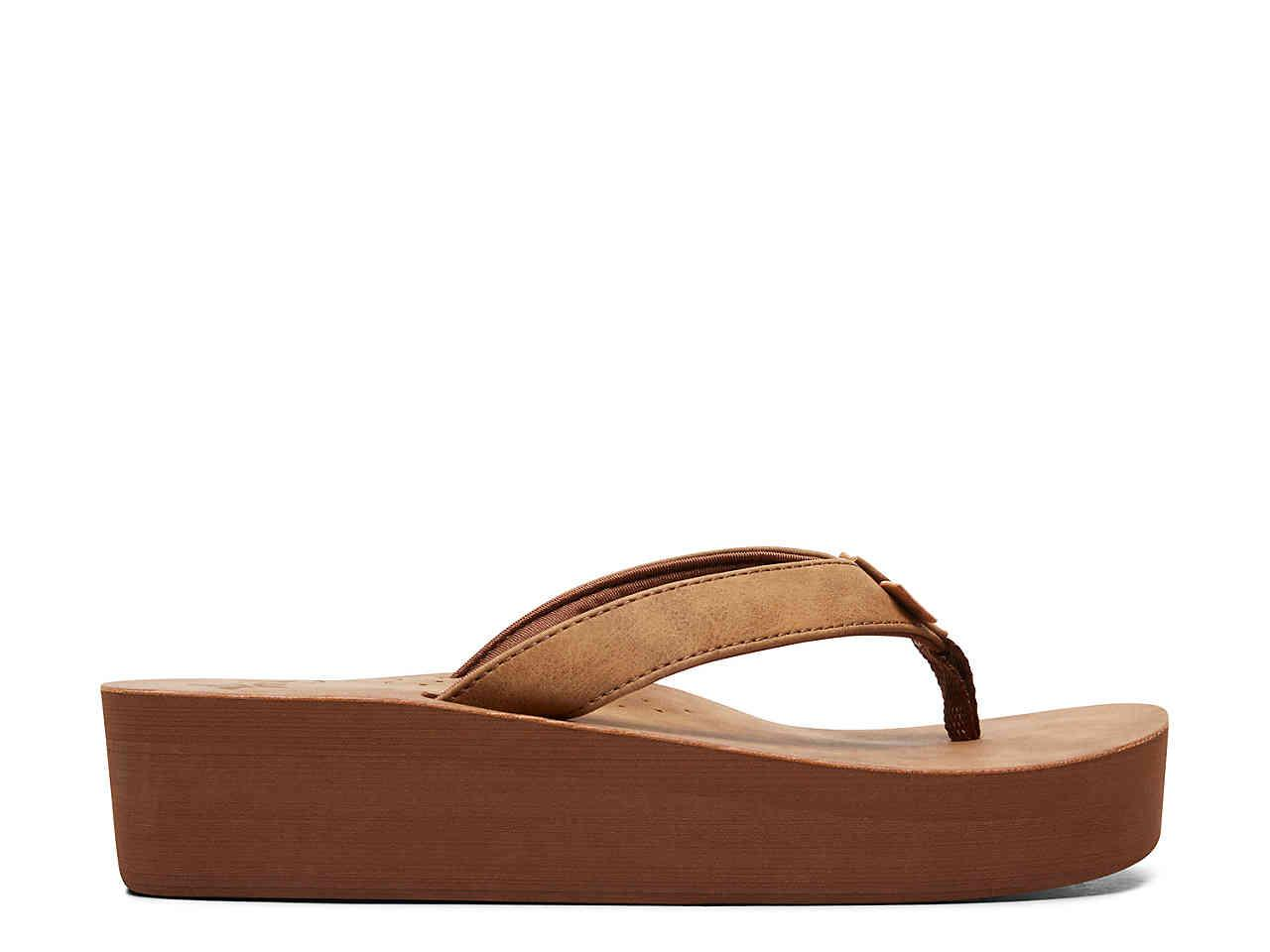 3e74d4bab Roxy - Brown Melinda Wedge Flip Flop - Lyst. View fullscreen