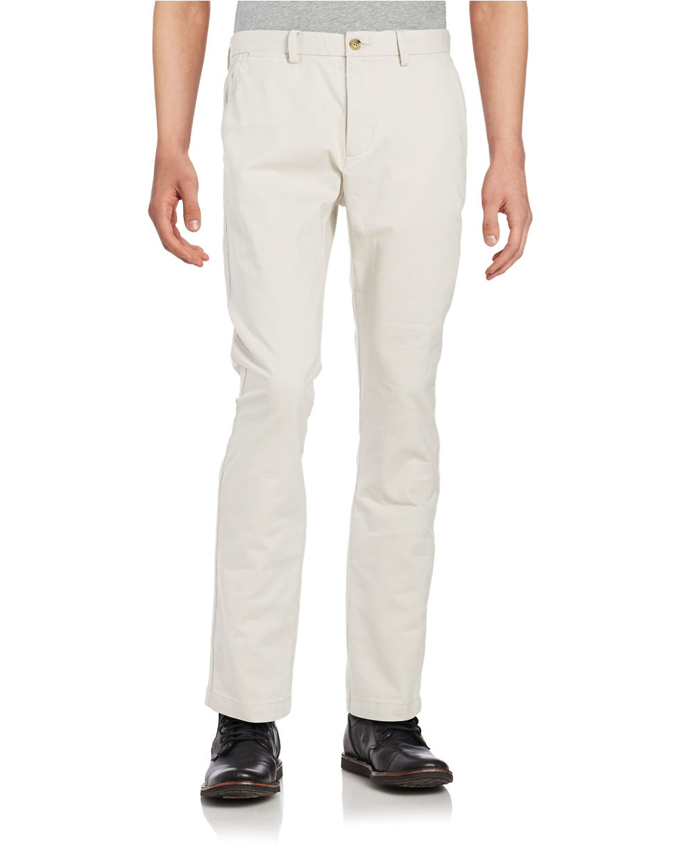 Shop Online for Mens Trousers on Tata CLiQ Getting a statement casual look is easier than ever if you have the appropriate apparel in your clothing collection. Trousers, being one such category that is a staple in the wardrobe of most men are effective in boosting your style quotient effortlessly.