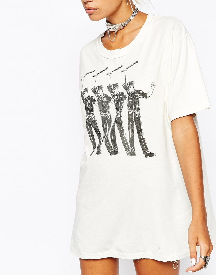 c0f06fb5 UNIF Oversized Boyfriend T-shirt With Cop A Feel Print in White - Lyst