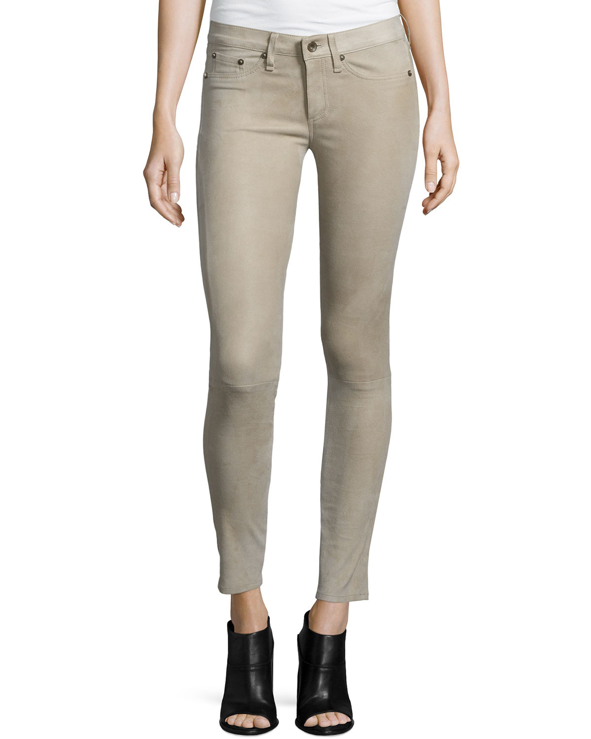 Shop our petite ankle pants for classically-chic styles with a modern spin. Discover Talbots versatile collection of women's petite skinny pants designed for you.