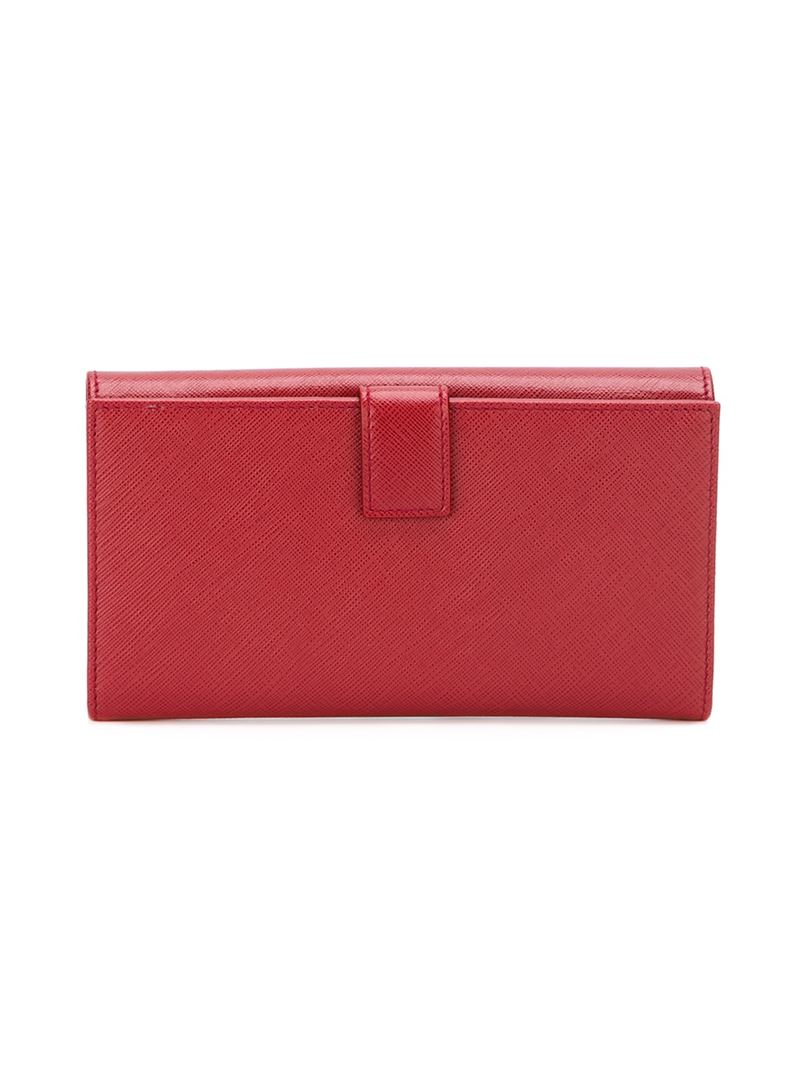 Ferragamo Gancio Continental Wallet in Red - Lyst