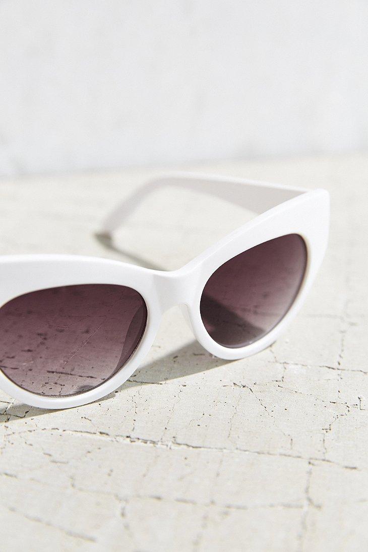 0cf9f252d6 Urban Outfitters Kurt Cat-eye Sunglasses in White - Lyst