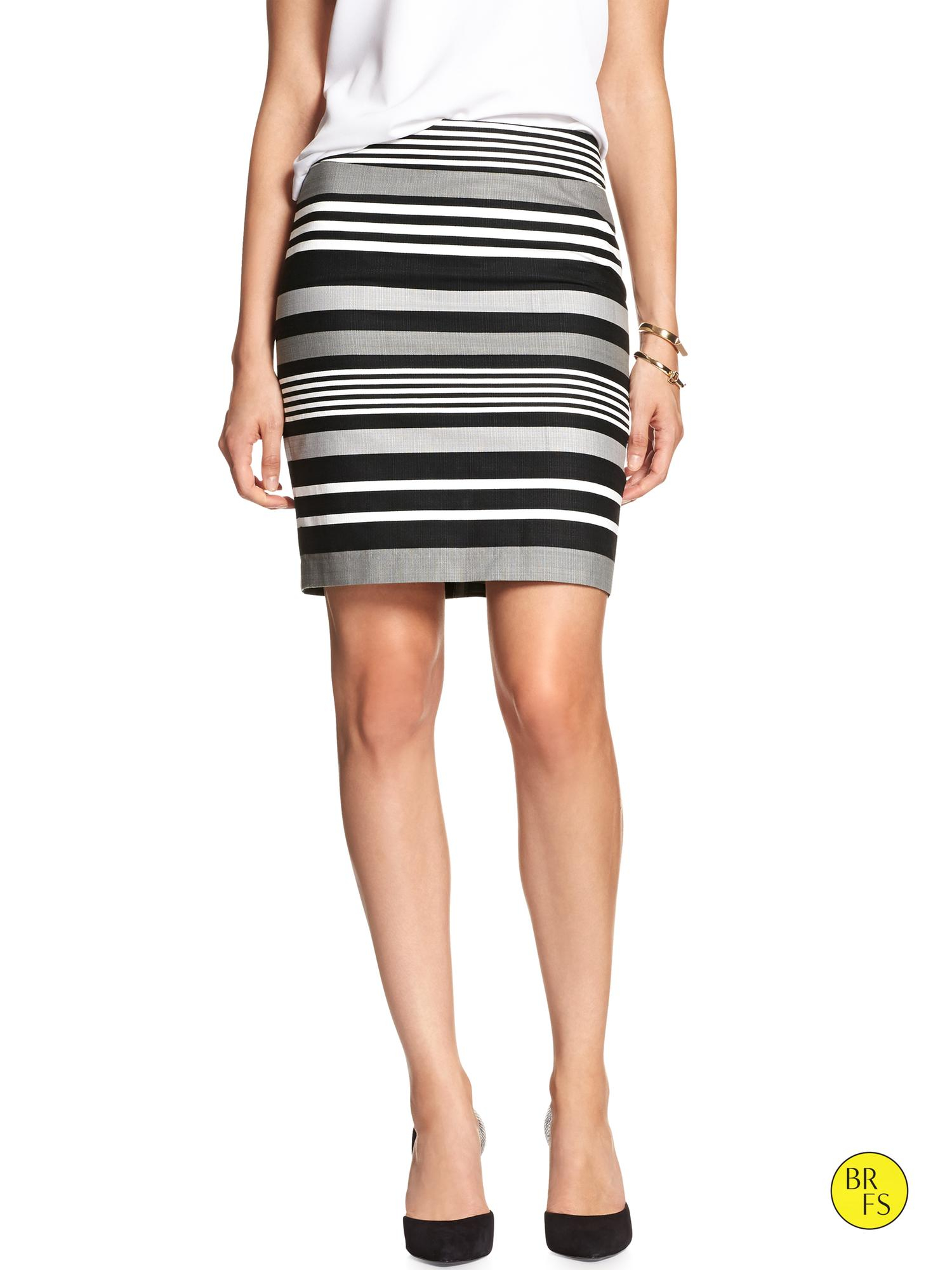 Banana Republic Factory Print Pencil Skirt In Gray Gray