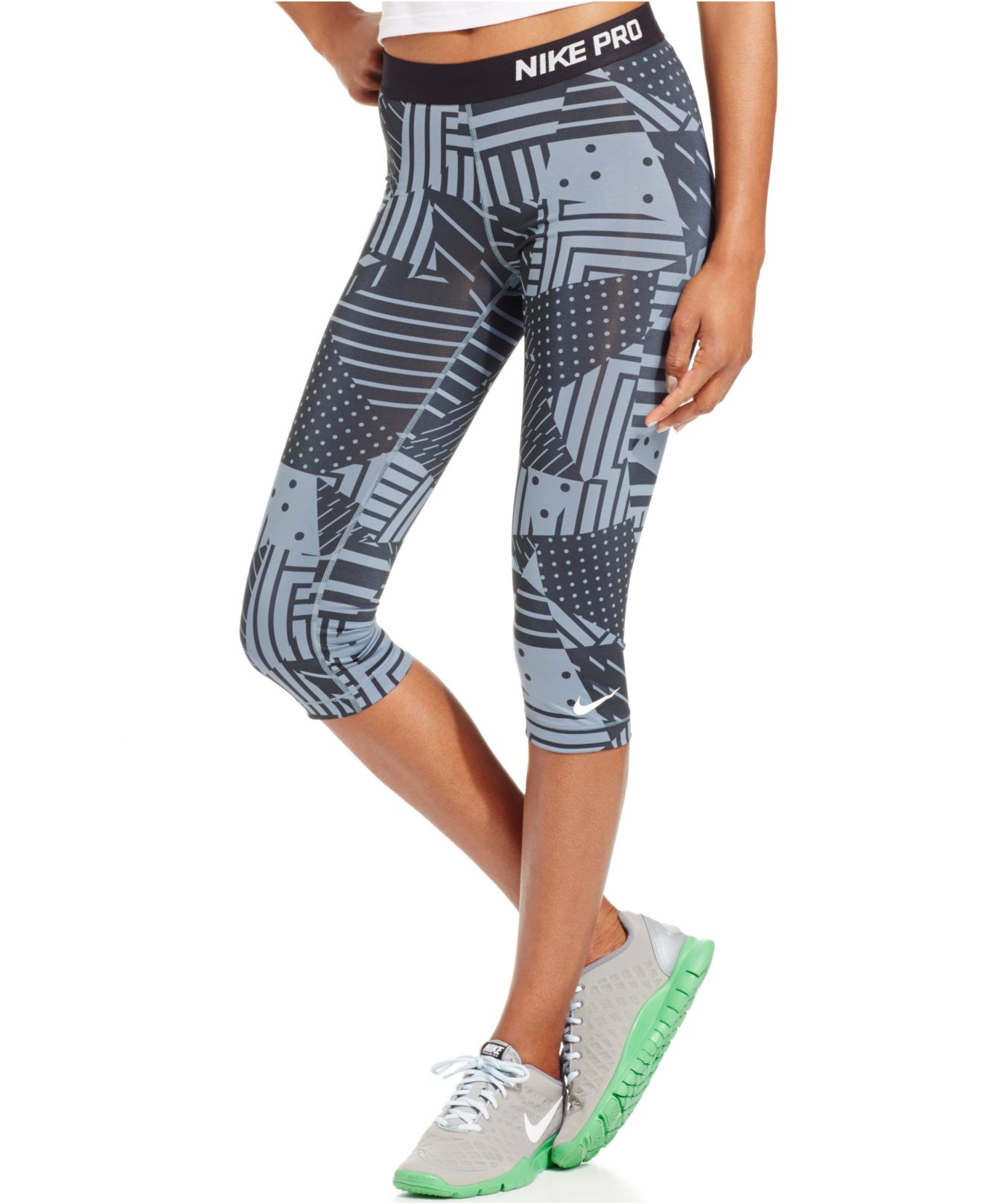 Nike Pro Patchwork Printed Capri Leggings in Black | Lyst