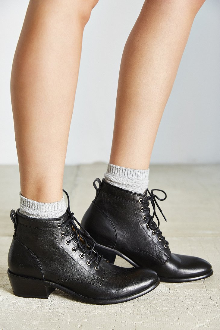 Women's Carson Lace-Up Boot